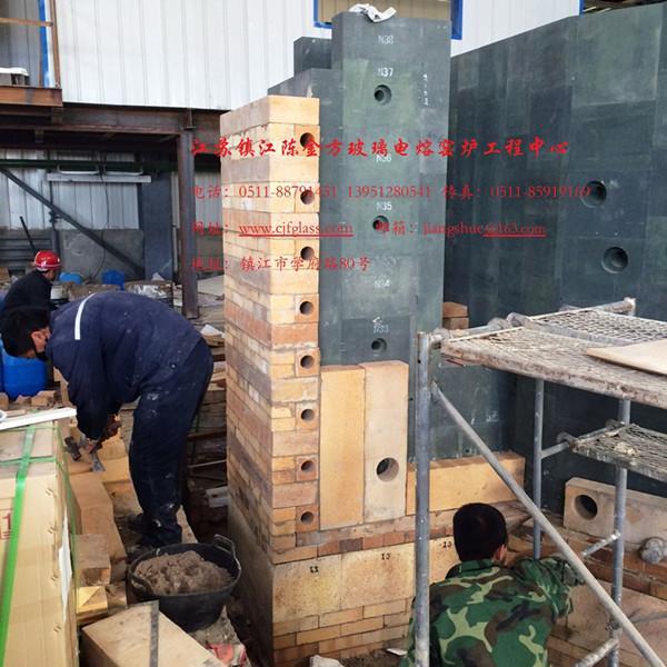 日产30吨的矿渣微晶竞博电竞官网电熔窑炉正在施工中