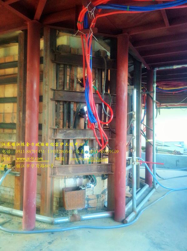 垃圾玻化电炉正在运行中